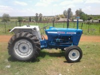 BAC089 Ford 3000 Tractor 1