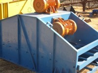 CAA283  4 x 10 ft Vibrating Screen 1