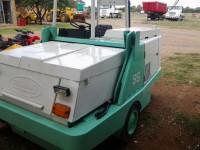 EAV015  Tennant Vacuum Sweeper 1