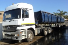 VAC117 2003 Actros 3348 Truck Tractor