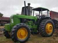 BAC104 John Deere Tractor