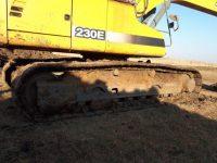 EAC327 Excavator 1