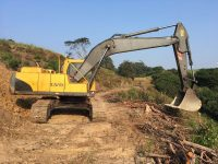 EAC332 Excavator 1