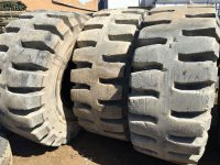 EAY195 26.5 x 25 Tyres 1