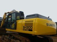 EAC365 Excavator 1