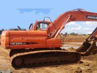 EAC368 Excavators 1
