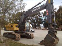 EAC378 Excavator 1