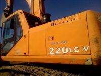 EAC389 Excavator 1